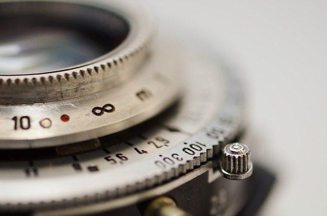 lens-637558_640